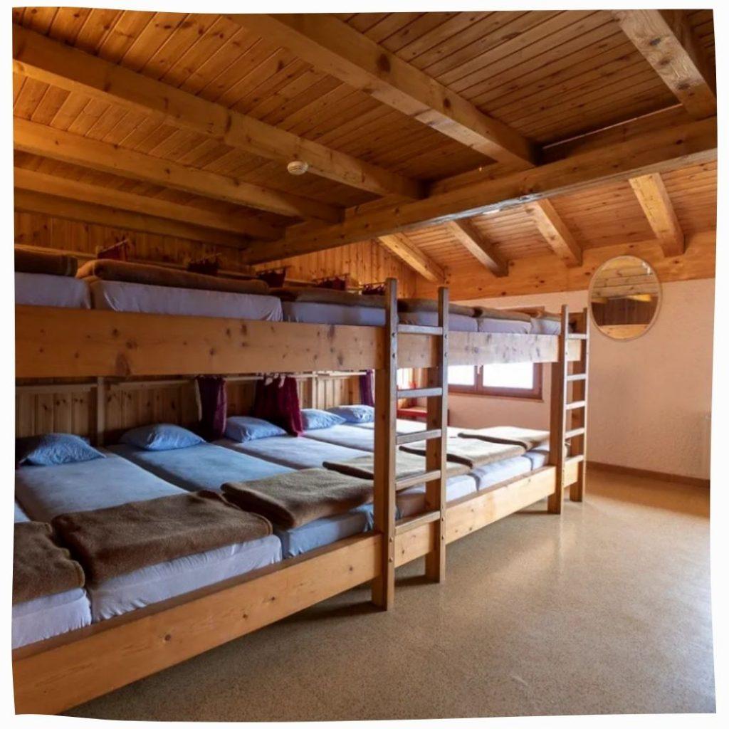 Chindonne Dorm Beds